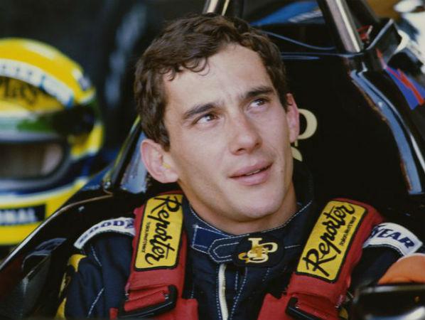 """Ayrton Senna, em carta psicografada, envia mensagem à Xuxa: """"Peça perdão e eu te perdoo"""""""